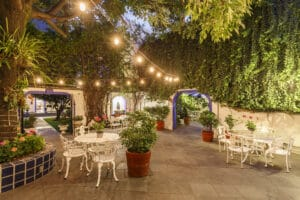 Hotel_Casa_Gonzalez_patio_79_iluminado